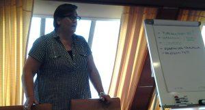 Johanna Koskinen innostaa keskustelemaan työelämästä.