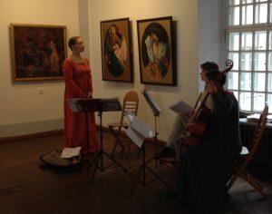 Muusikot harjoittelemassa Adamson-Ericin museossa.