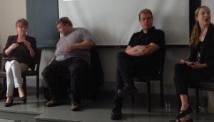 Riitta Suominen, Markus Leikola, Ville Lähde ja Anne Rutanen keskustelemassa tietokirjailijasta somessa.